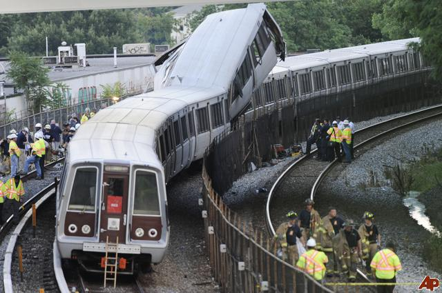 AP photo: Metro Derailment