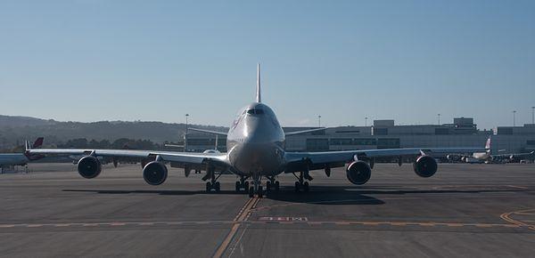 Plane-waiting