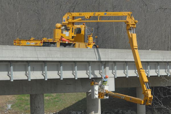 MoDOT bridge inspection snooper