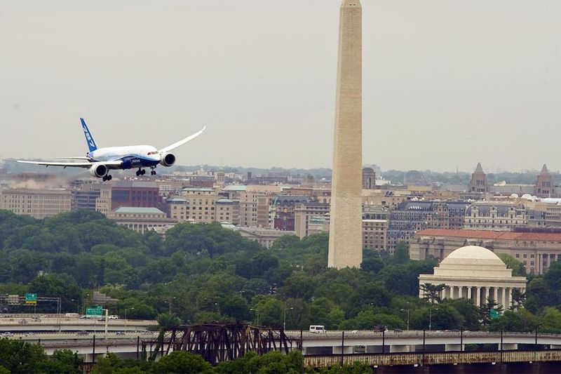 787 Over DC
