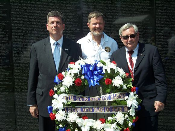 Wreath for US Merchant Marines