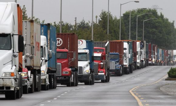 Trucks stuck in congestion enroute to port