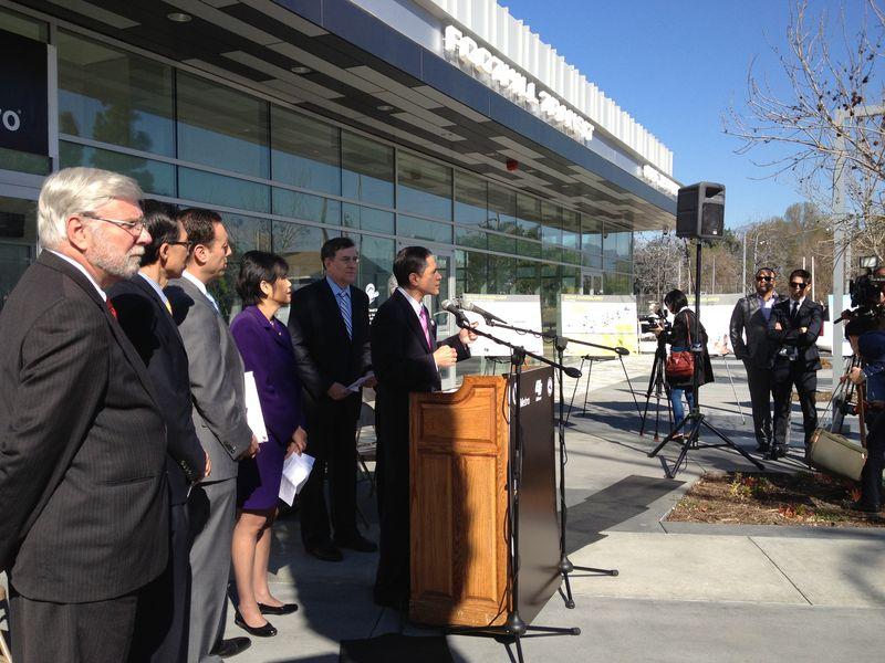 FHWA Administrator Victor Mendez at I-10 lane-opening