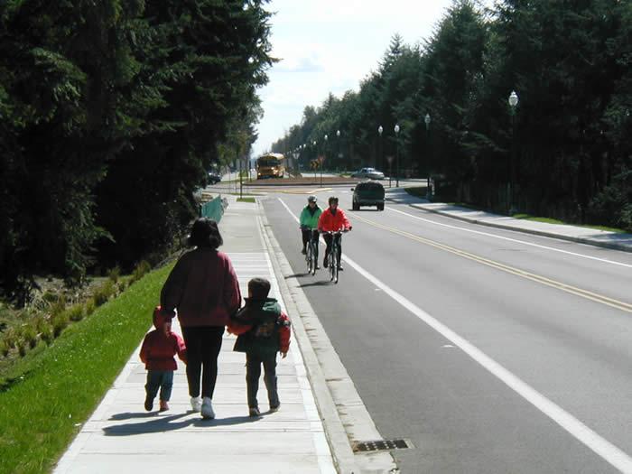 Kidswalkingandcouplebiking
