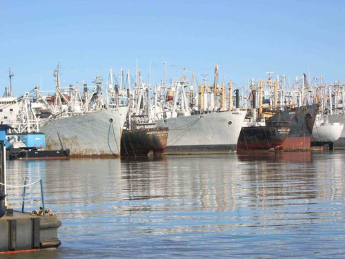 Reserve fleet in Suisun Bay awaits cleanup