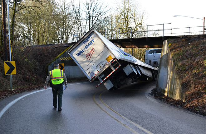 Truck-stuck-under-overpass
